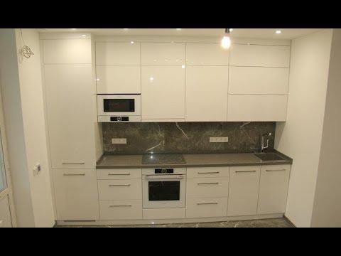 Кухня встроенная под потолок. Фасады белый глянец, акрил. Столешница из камня. Blum. Кухни Киев.