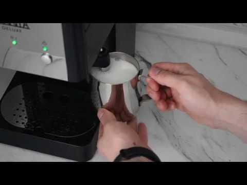 Как взбивать молоко капучинатором домашней рожковой кофеварки