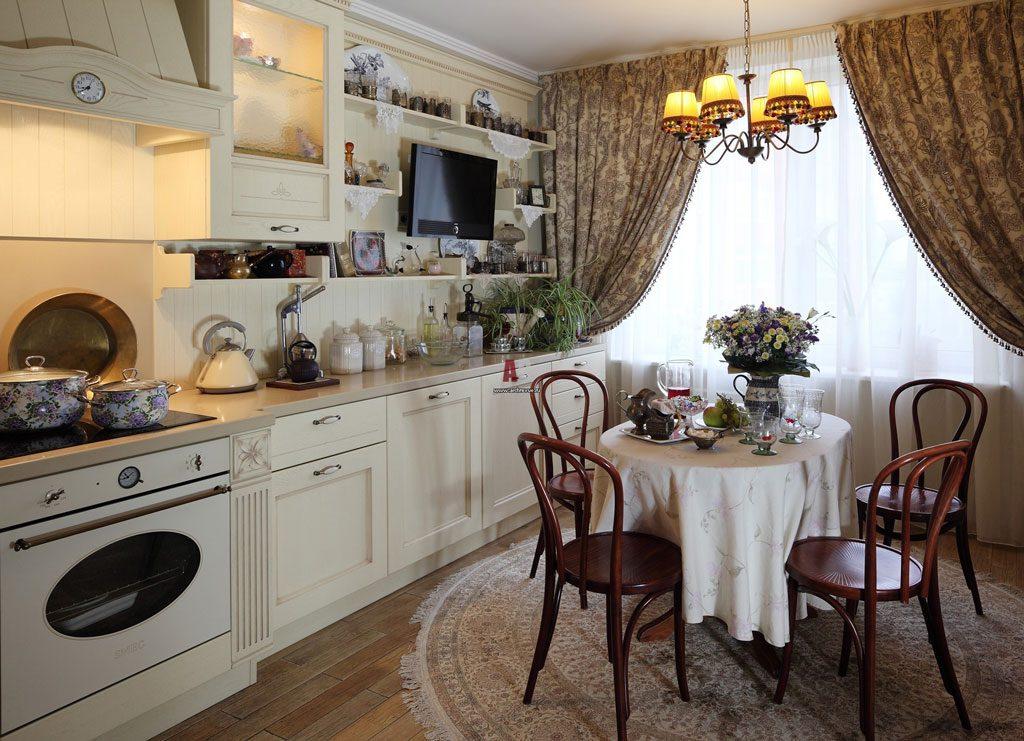 Кухня со столешницей из мрамора в стиле прованс