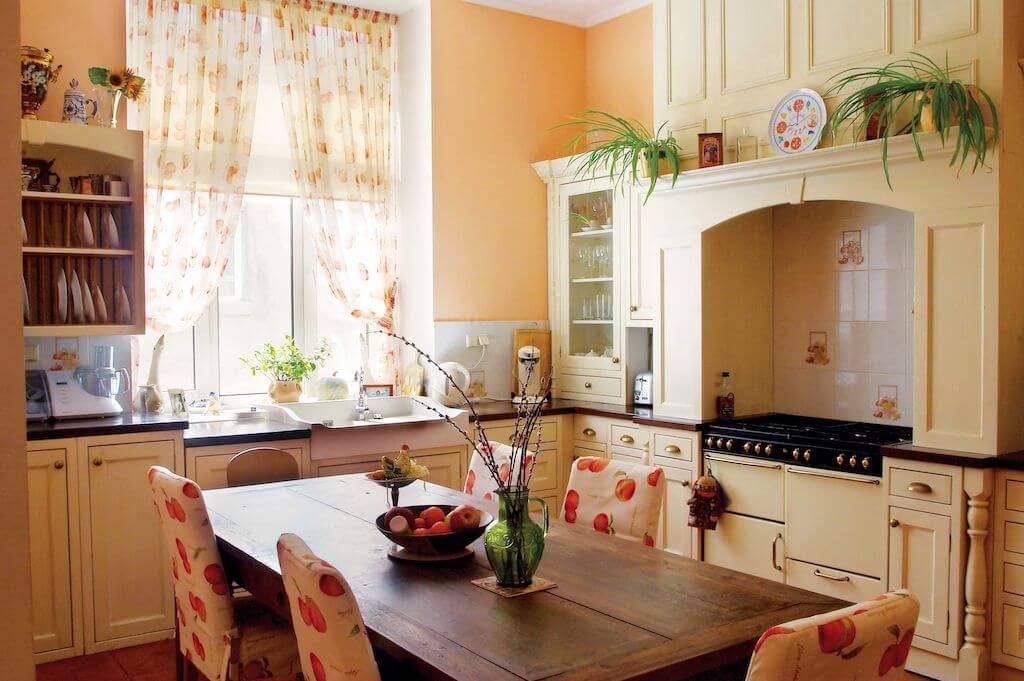 украшение кухонного гарнитура цветами