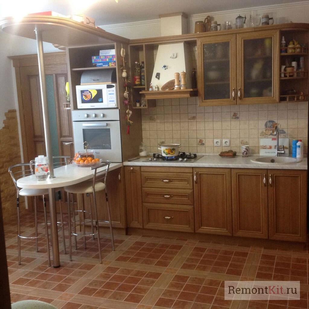 Так выглядит кухня Татьяны из натурального дуба