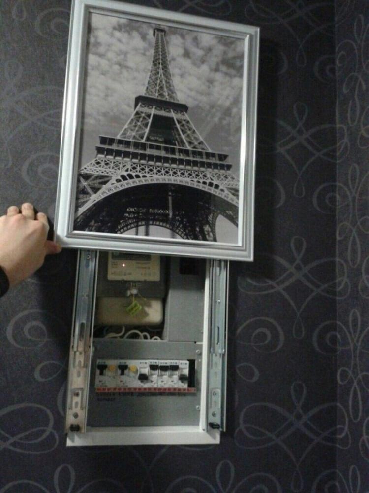 декор электрощитка в квартире фото это любит зритель